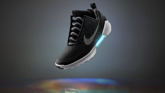 Samosznurujące się buty Nike z Powrotu do Przyszłości II