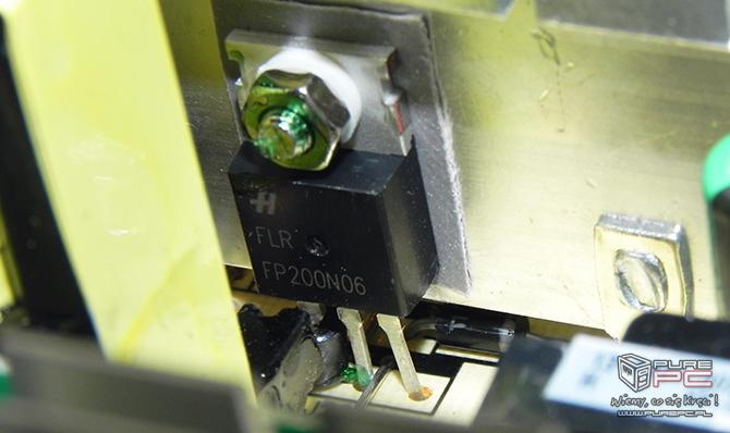 Test Modecom MC-500-S88 Silver - tani i wydajny zasilacz [nc26]