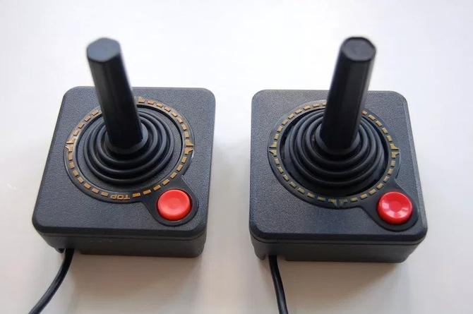 Historia kontrolerów do gier: pady, joysticki i niezwykłe wynalazki [2]