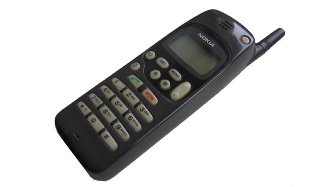 Telefon komórkowy ma 45 lat: Jak czas zmienił nasze komórki  [10]