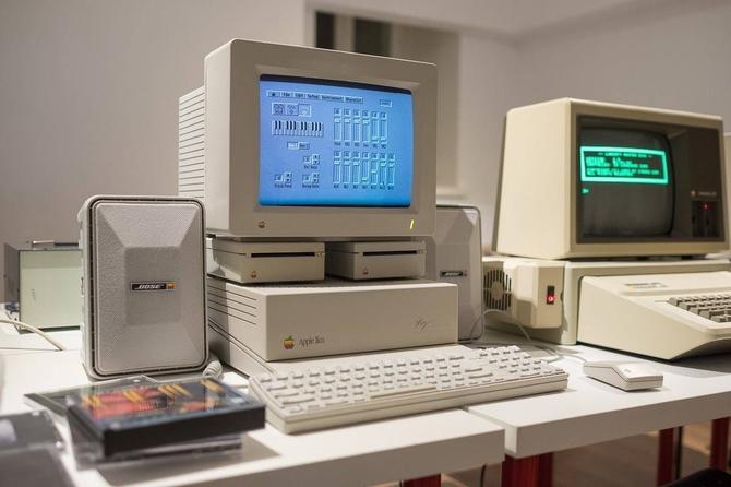 PureRetro: Apple iMac obchodzi 20 urodziny. Pamiętacie ten [8]