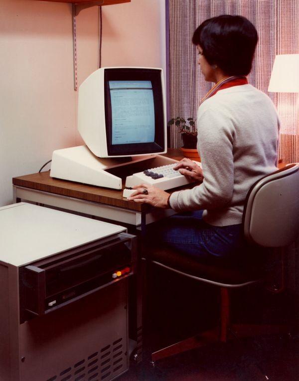 Apple Macintosh powstał 35 lat temu. To była ważna premiera [1]