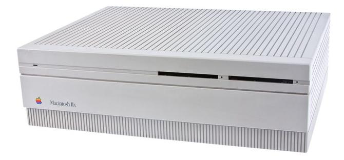 Apple Macintosh powstał 35 lat temu. To była ważna premiera [18]