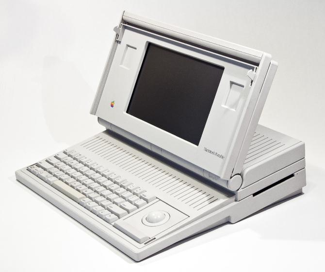 Apple Macintosh powstał 35 lat temu. To była ważna premiera [19]