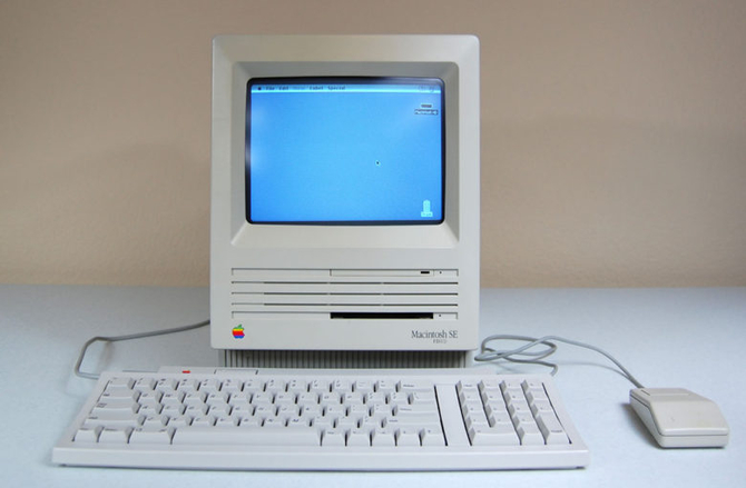 Apple Macintosh powstał 35 lat temu. To była ważna premiera [20]