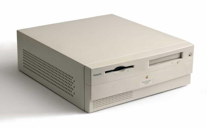 Apple Macintosh powstał 35 lat temu. To była ważna premiera [23]