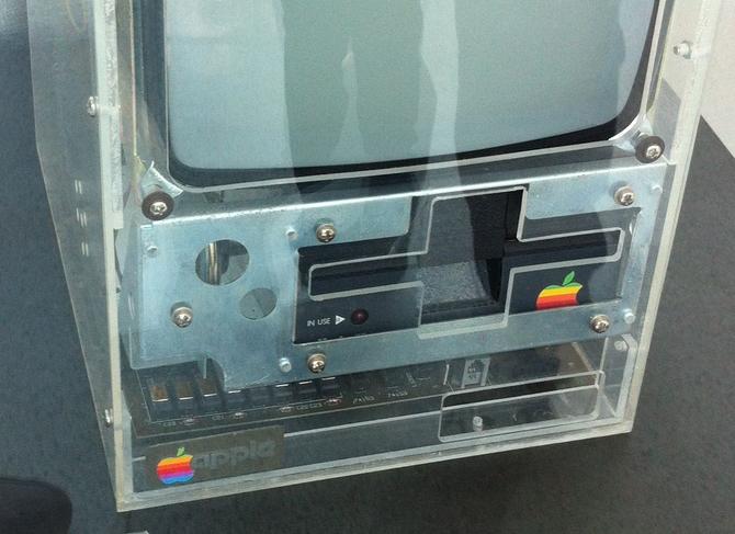 Apple Macintosh powstał 35 lat temu. To była ważna premiera [6]