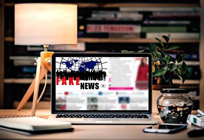 Sztuczna inteligencja pomoże w walce z propagandą i fake news? [7]