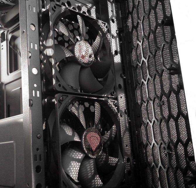 Mini-recenzja czytelnika: obudowa Genesis Titan 660 Plus [17]