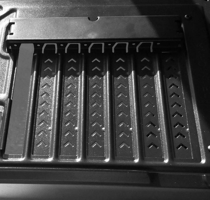 Mini-recenzja czytelnika: obudowa Genesis Titan 660 Plus [9]