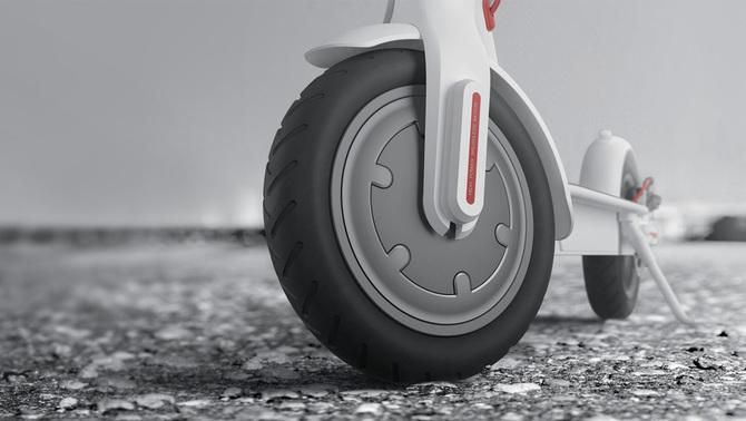 Wideo: Xiaomi MiJia Scooter - hulajnoga z dopalaczem [3]