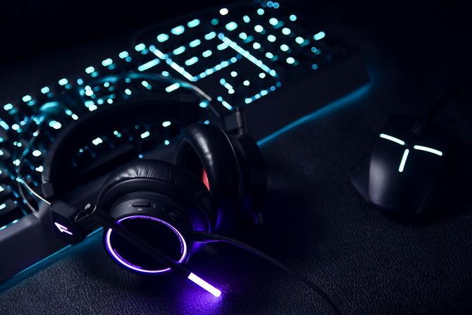 1MORE Spearhead VRX - słuchawki dla graczy inne niż wszystkie [7]