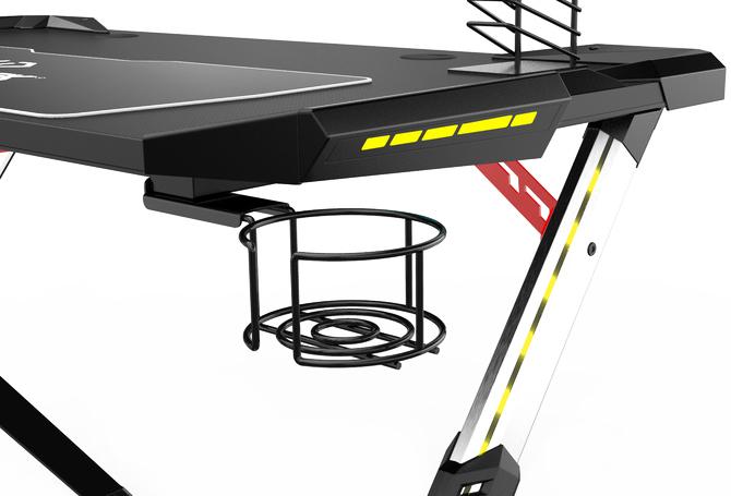 Test biurka Ultradesk Star: gdy miejsca na granie mamy niewiele [24]