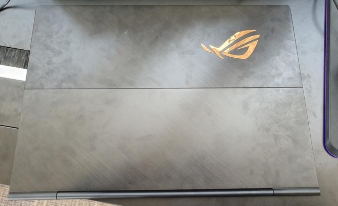 Notebook ASUS ROG Mothership GZ700GX z i9-9980HK i RTX 2080  [7]