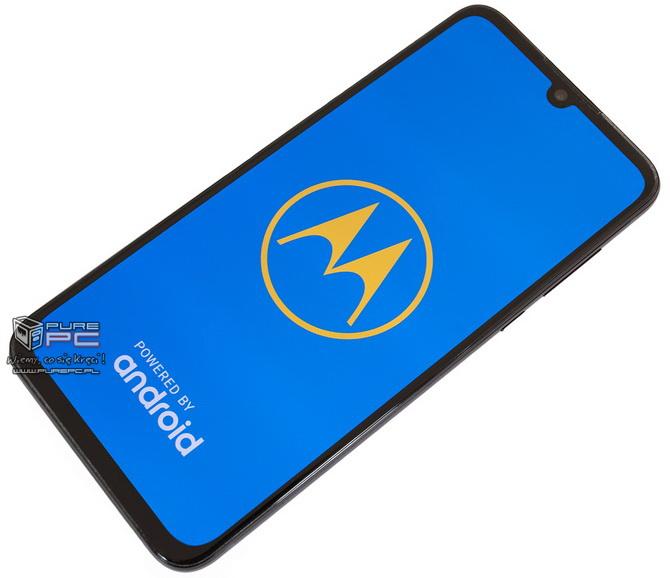Test Motorola One Zoom: 4 dni na baterii i 4 sensowne aparaty [nc2]
