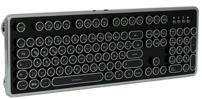 Nanoxia Ncore Retro - steampunkowa klawiatura mechaniczna [1]