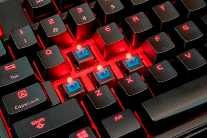 Klawiatura mechaniczna Tt eSports Meka Pro z Cherry MX [3]