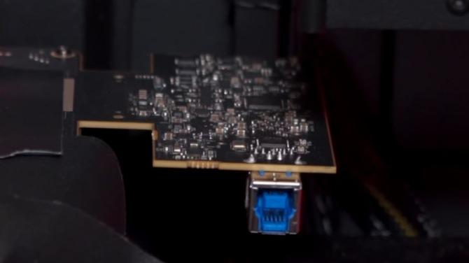 AMD Vega - zdjęcia karty graficznej w wersji inżynieryjnej [3]