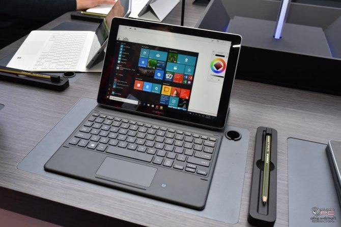 Samsung prezentuje Galaxy Book, czyli hybrydę z Windowsem 10 [1]