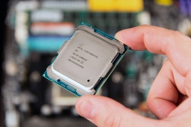 Intel Core i9-7980XE Skylake X - 18 rdzeni i 36 wątków [2]