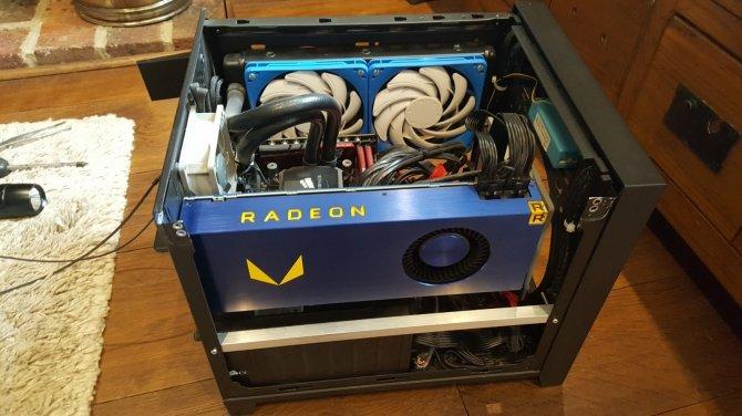 AMD przygotowuje kartę Radeon Pro WX 9100 z rdzeniem Vega [4]