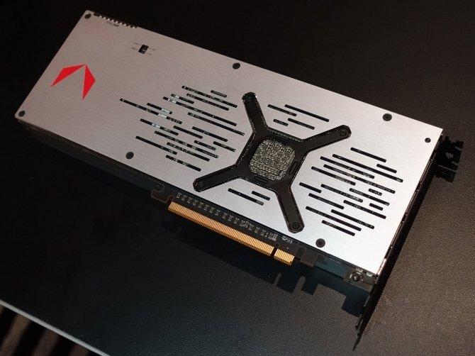 AMD Radeon RX Vega pozuje do zdjęć w dwóch różnych wersjach [2]
