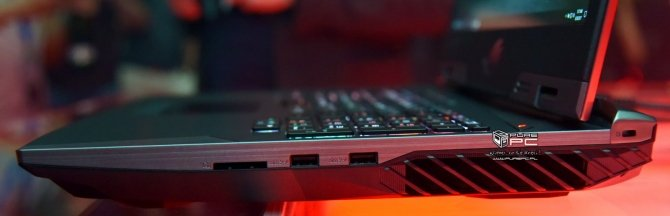 ASUS ROG Chimera - laptop z matrycą o odświeżaniu 144 Hz [6]