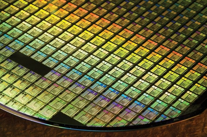 Samsung pracuje nad chipami w litografii 11 nm i 7 nm EUV [2]