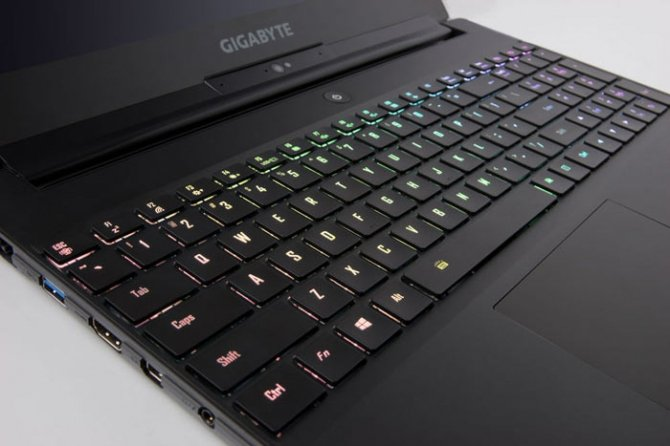 Gigabyte Aero 15X z kartą NVIDIA GeForce GTX 1070 Max-Q [5]