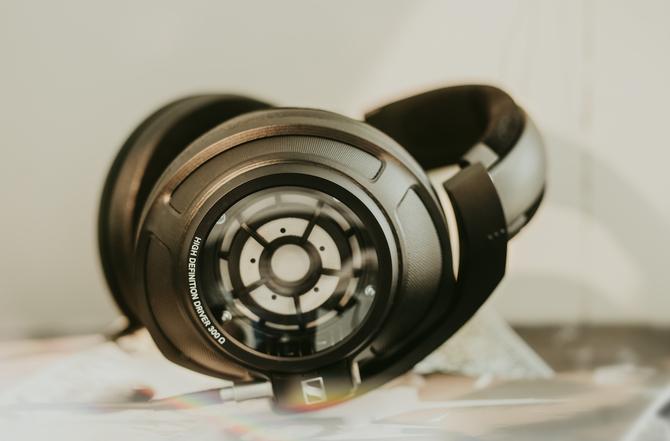 CES 2018: Sennheiser HD 820 - nowe słuchawki klasy premium [1]