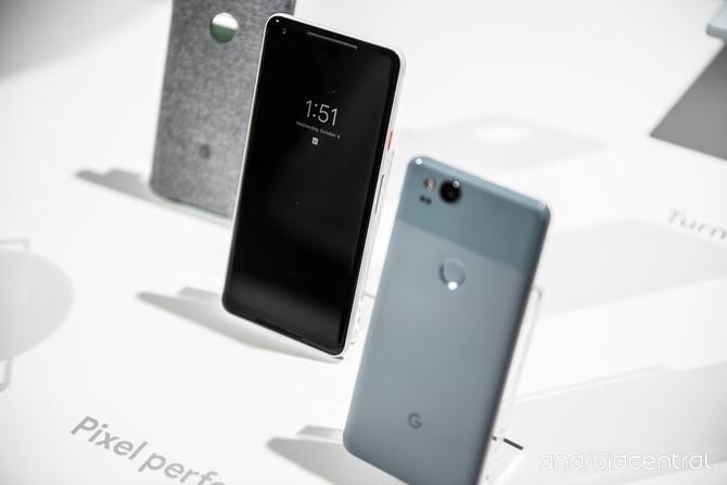 Google przejmuje dział smartfonów HTC za 1,1 mld dolarów [3]
