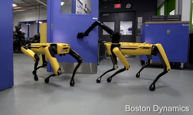 Boston Dynamics uczy robo-psa otwierać drzwi. A co z piwem? [1]