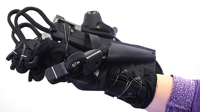 HaptX Glove pozwoli na rejestrowanie bodźców czuciowych w VR [1]