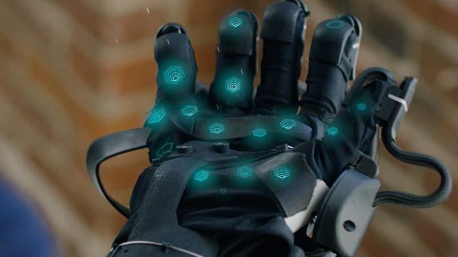 HaptX Glove pozwoli na rejestrowanie bodźców czuciowych w VR [2]