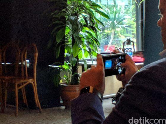 Nokia 9 wyposażono w zaokrąglony ekran OLED i podwójny apara [2]