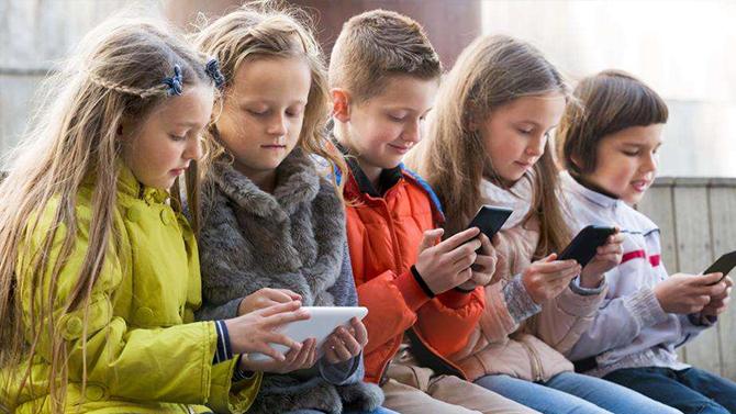 Wstrząsające badania: Po co mi przyjaciel, gdy mam telefon? [2]