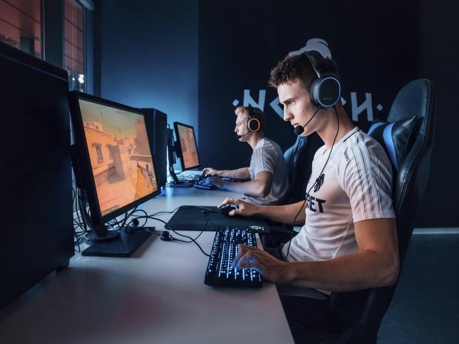 Steelseries Arctis Pro - słuchawki gamingowe z Hi-Res Audio [3]