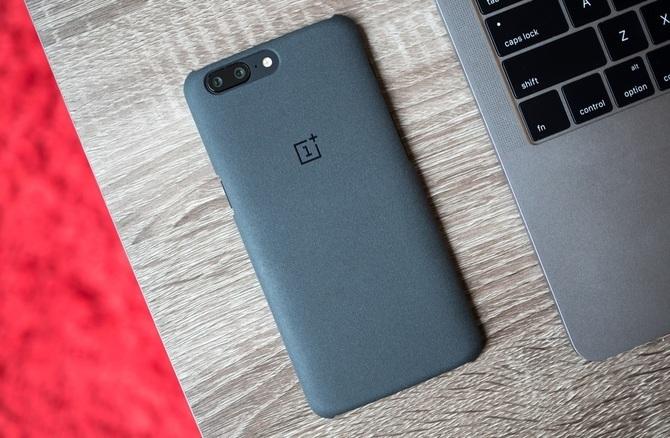 OnePlus 6 - producent chwali się specyfikacją smartfona [1]