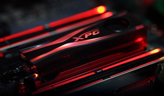 ADATA XPG - Słuchawki, podkładka RGB LED i cooler dla SSD [3]