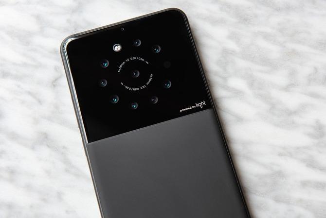Light szykuje smartfona z rekordową ilością obiektywów [2]