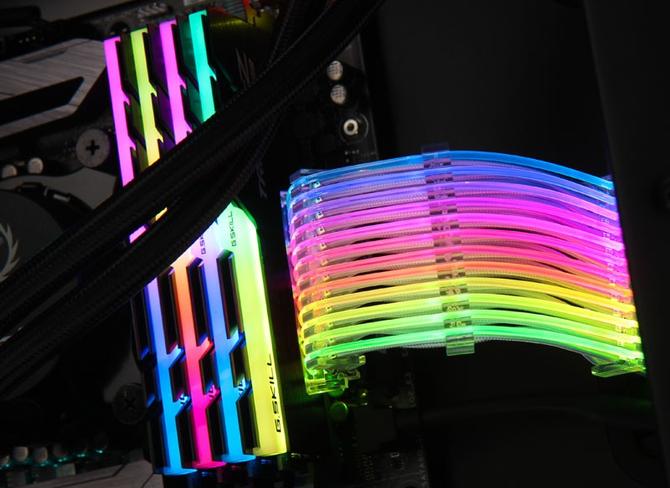 Lian Li Strimer - 24-pinowy kabel zasilania ATX RGB LED [2]