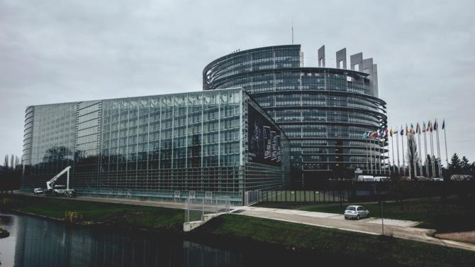 Unia Europejska znowu walczy o standaryzację ładowarek USB [2]