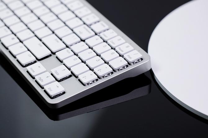 Hexgears X-1: mechaniczna, niskoprofilowa klawiatura z RGB [2]