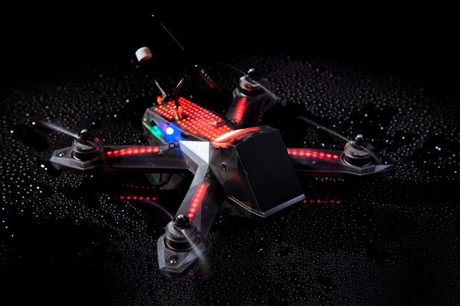 AlphaPilot: wyścigi dronów z pulą nagród wynoszącą 2 000 000 USD [1]