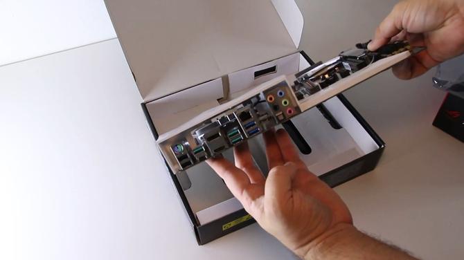 Pokazano płyty główne ASUS ROG STRIX Z390-I oraz PRIME Z390-A [2]