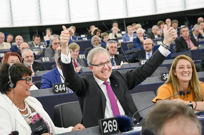 Parlement Europejski przyjął nowelizację prawa autorskiego [1]