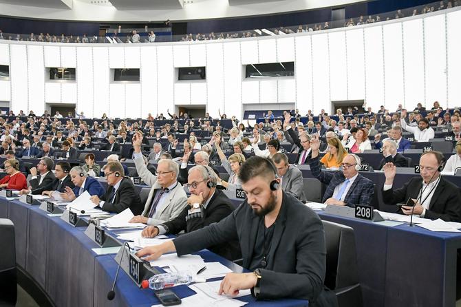 Parlement Europejski przyjął nowelizację prawa autorskiego [4]