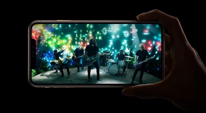iPhone XS i XS Max mają problem z zasięgiem LTE i Wi-Fi [3]