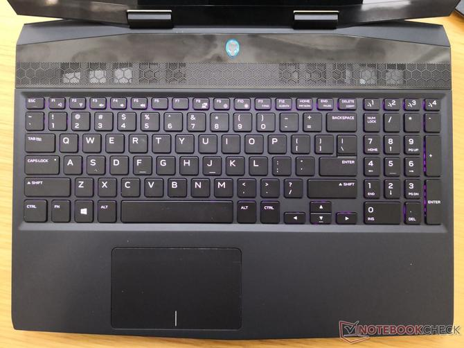 Alienware m15 - lekki laptop z wąskimi ramkami i GTX 1070 Max-Q [5]