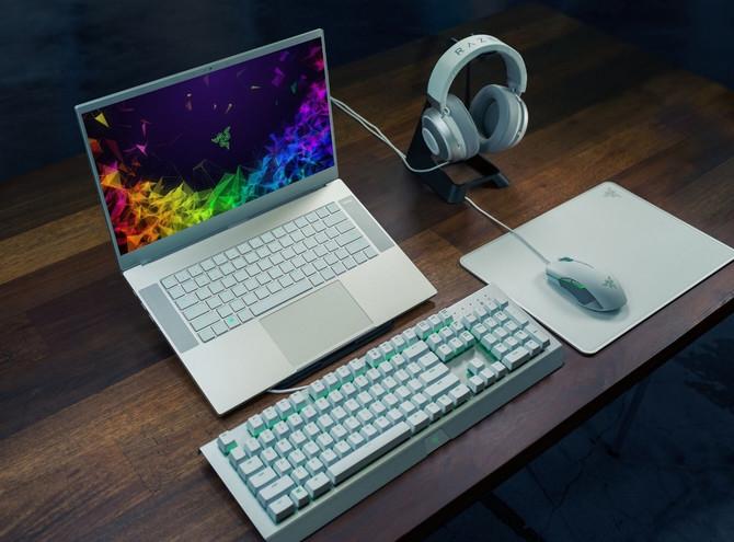 Razer Blade 15 - kolejne laptopy do grania trafiają do sklepów [3]